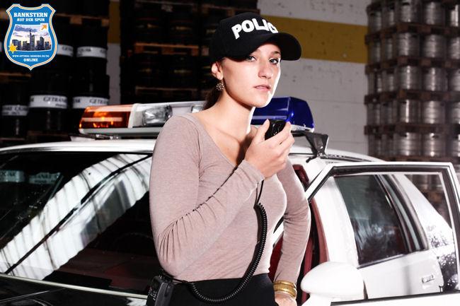 Rebecca am Polizei-Funk